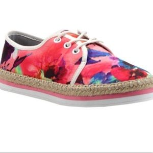 Luichiny Easy Going Lace Up Tennis shoe flora